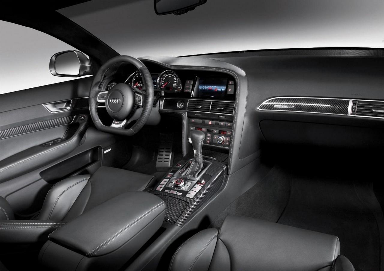 audi-rs6-limousine-interieur-cockpit